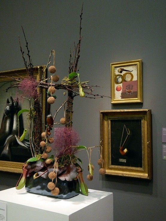 A past Bouquets to Art exhibition. Image c/o the de Young Museum on Pinterest.