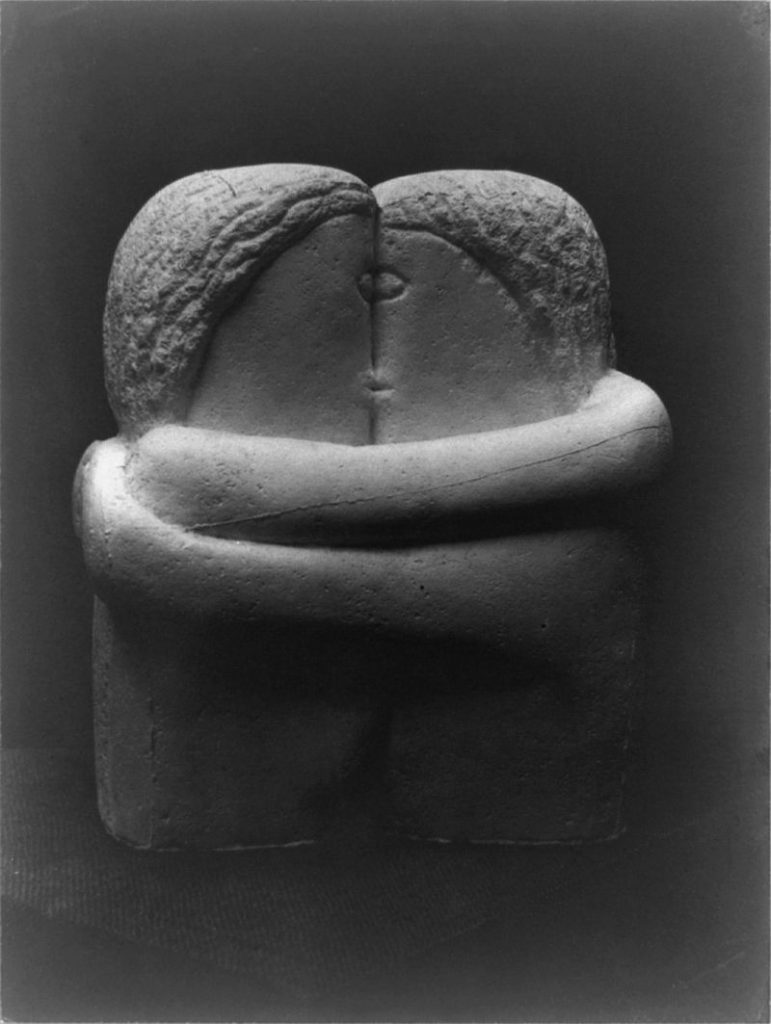 The Kiss by Constantin Brancusi, 1907-1908. This sculpture was displayed at the 1913 Armory Show. Image c/o Wikimedia.